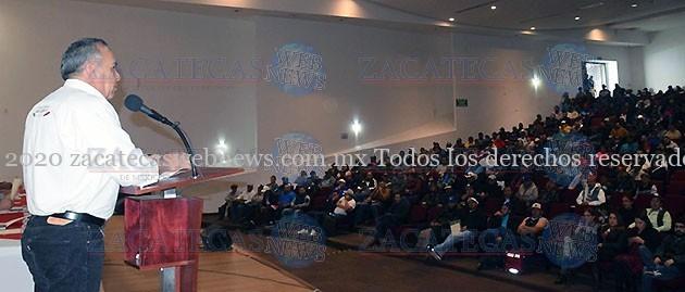 CAPACITACIÓN A 700 JORNALEROS AGRÍCOLAS